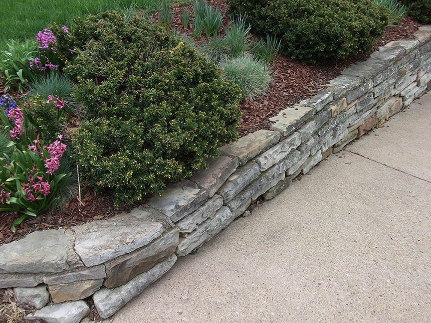 Natural-stone-retaining-wall-1