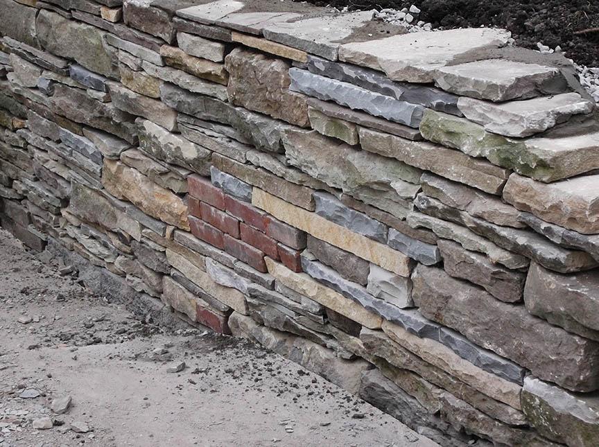 Natural-stone-retaining-wall-12