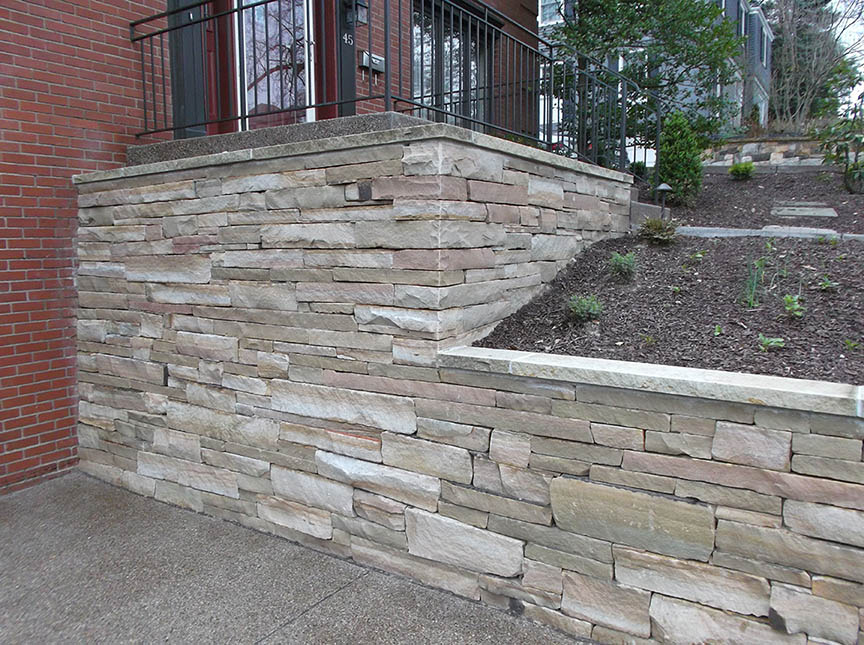Natural-stone-retaining-wall-13