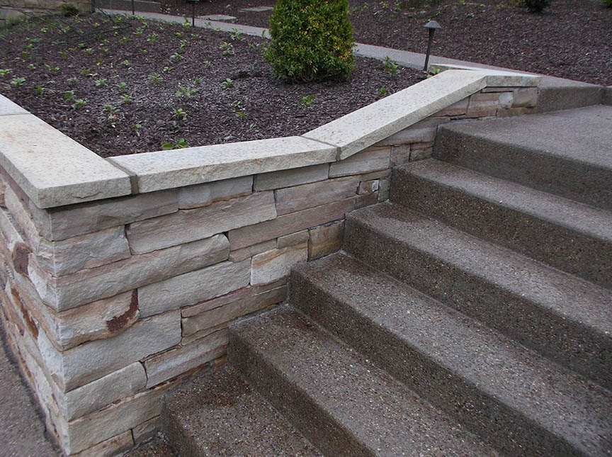 Natural-stone-retaining-wall-14