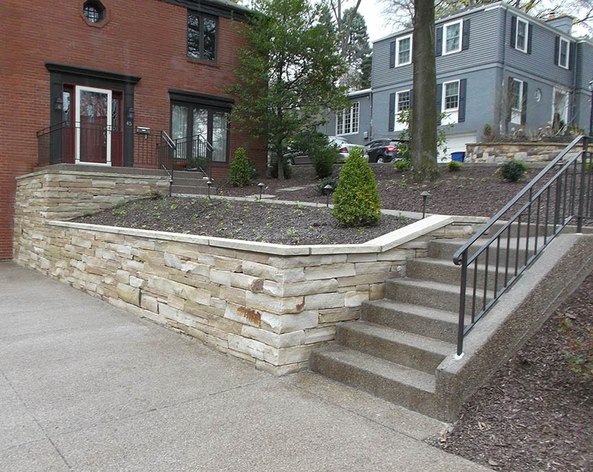Natural-stone-retaining-wall-15