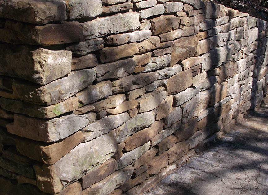 Natural-stone-retaining-wall-16