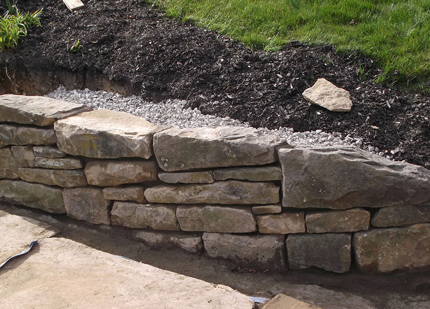 Natural-stone-retaining-wall-17