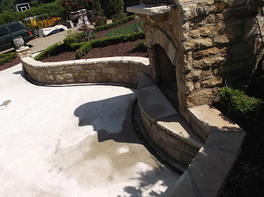 Natural-stone-retaining-wall-5