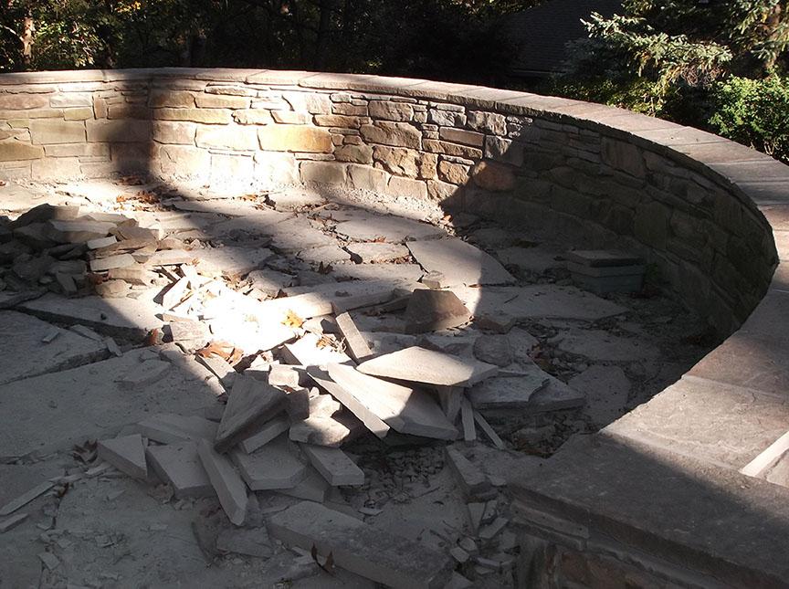 Natural-stone-retaining-wall-7
