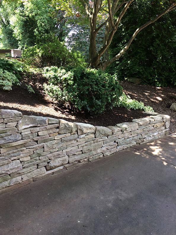 Natural-stone-retaining-wall-20