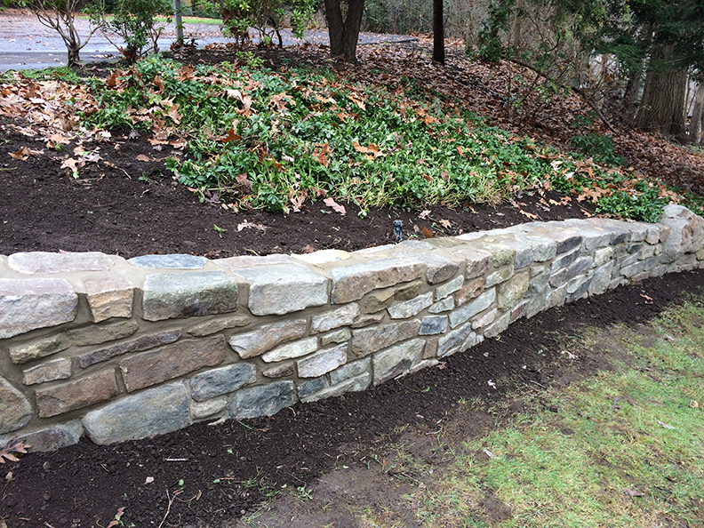 Natural-stone-retaining-wall-22